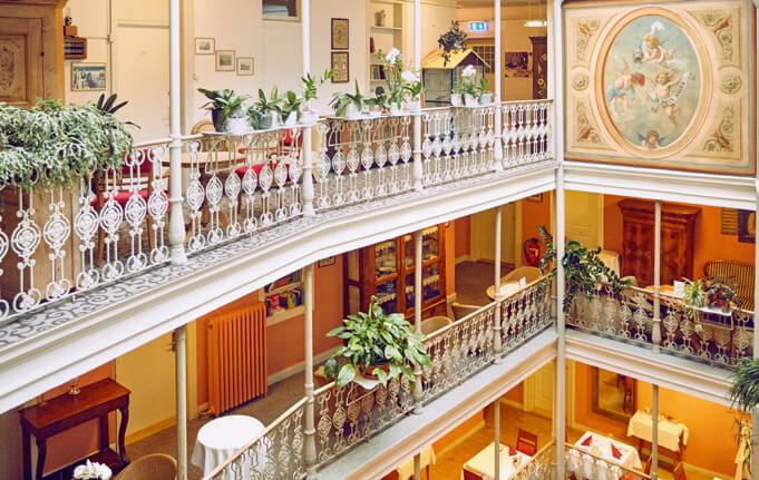 Hotel Blume 2